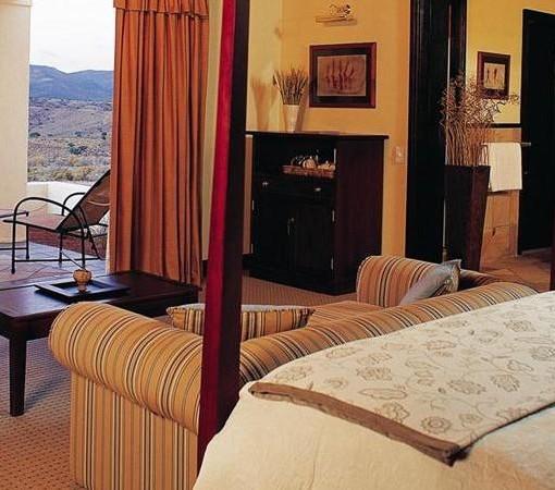 tilney-manor-room