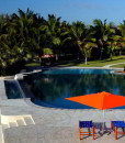 vilanculos-beach-lodge-pool-lawn