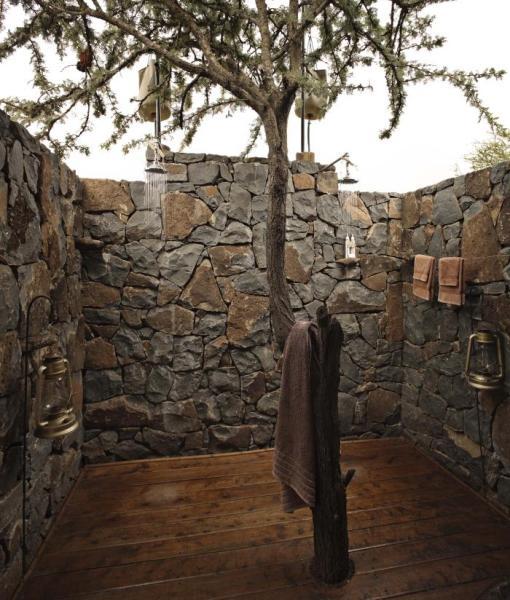Naboisho-Camp-outdoor-shower