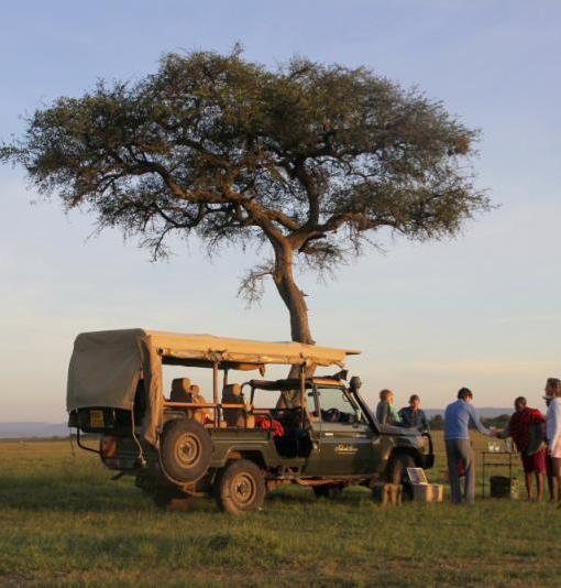 Naboisho-Camp-sundowners-family-experience