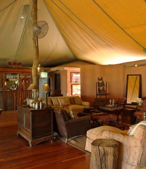 bateleur-camp-common-area-2
