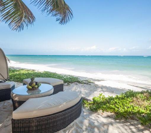 maji private beach view