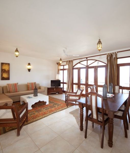 lantana-galu-beach-3Bd Apartment - Living room
