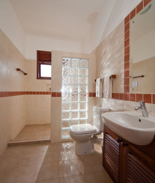 lantana-galu-beach-Apartment - Bungalow Bathroom