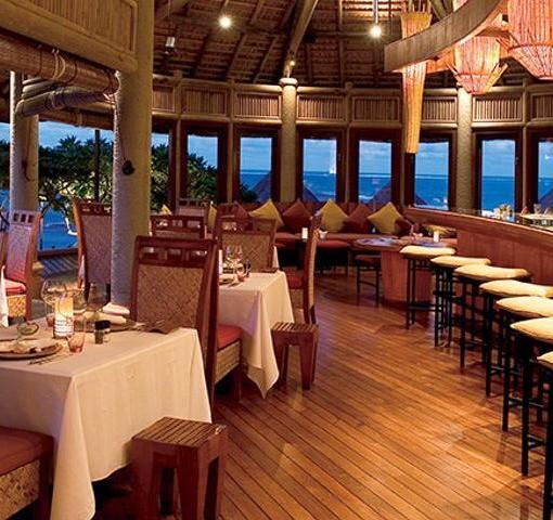 belle-mare-plage-la-spiaggia-restaurant-bar-1