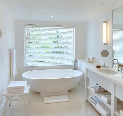 lux-belle-mar-Senior_Suite_03_Bathroom_Version1