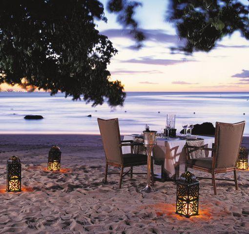 oberoi-dining-beach