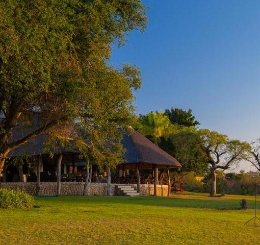 Inyati_main_lodge_distance