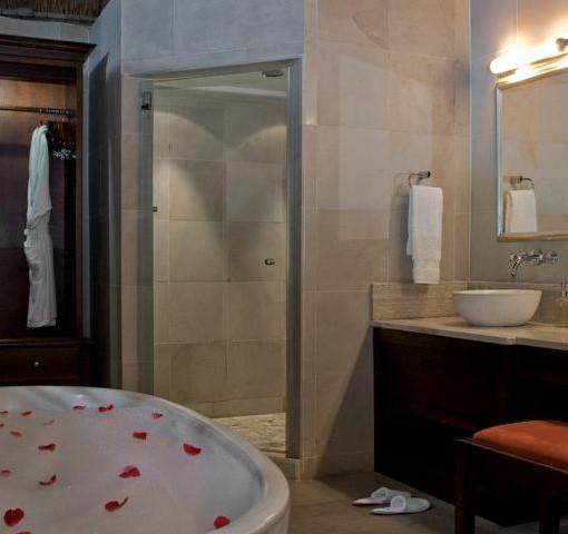 kichaka-game-lodge-bathroom