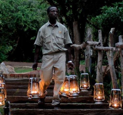kichaka-game-lodge-lantern-staff